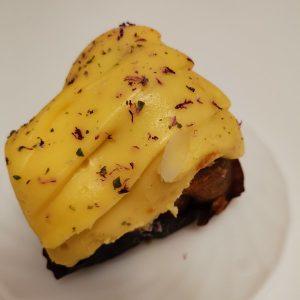 Ромовая баба с использованием помадки сахарная арт. желтая производства компании Фудмикс