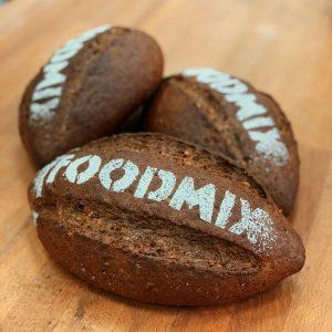 Зерновой хлеб на основе смеси МонтеПан - Темный Зерновой производства компании Фудмикс