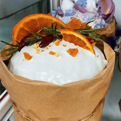 Кулич с использованием Помадки сахарной арт. белая и смеси Софипан Аромасвит производства компании Фудмикс